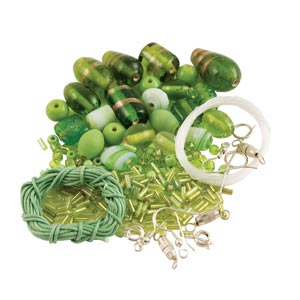 GLASS JEWELLERY BEAD SET - PERIDOT