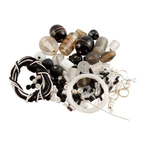 GLASS JEWELLERY BEAD SET - ONYX