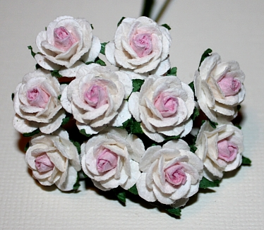 10st Paper Roses ca 15mm 2tone white pink