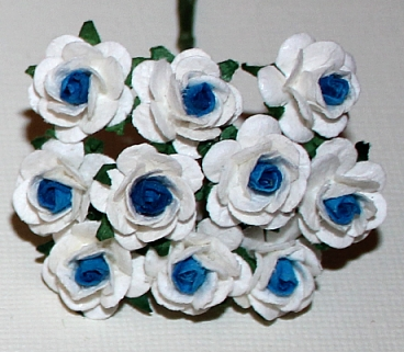 10st Paper Roses ca 15mm 2tone white blue